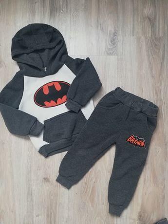 Dres, bluza, spodnie dresowe Batman rozm 86