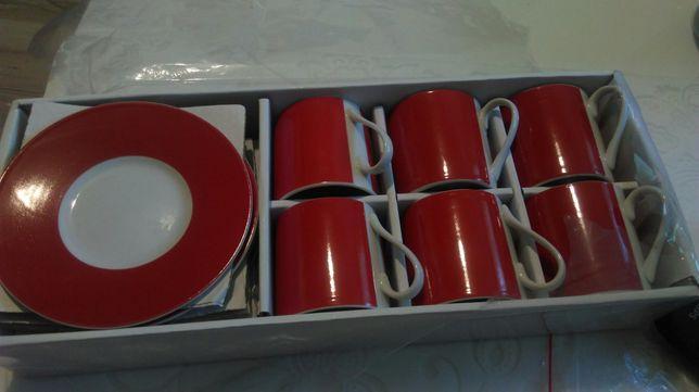 Filiżanki czerwono białe 6szt.