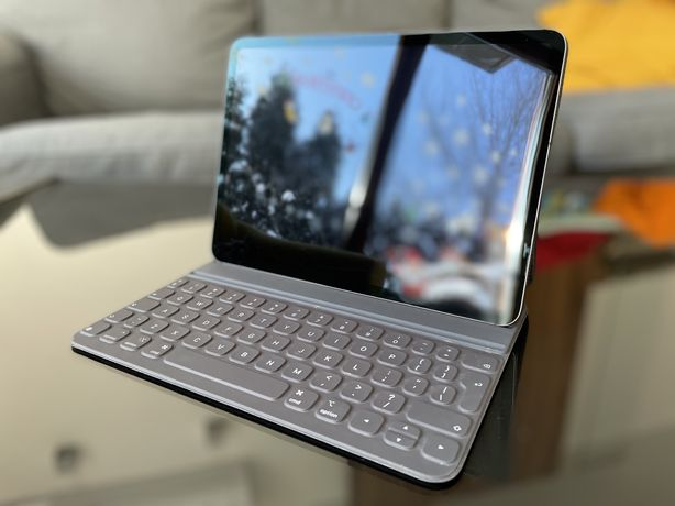 Apple iPad Pro 11'' 64GB Wi-Fi, LTE + Smart Keyboard Folio