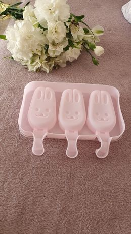 Śliczne silikonowe / sylikonowe foremki do lodów króliczki