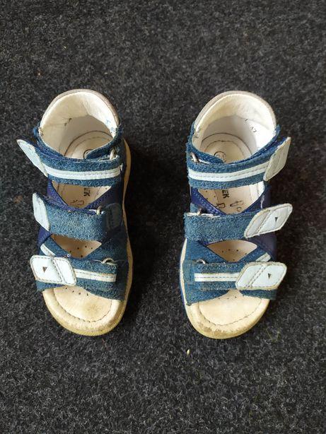 Sandałki BARTEK rozm 24, niebieskie dla chłopca