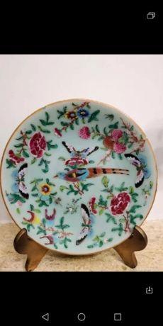 Prato em porcelana chinesa muito antigo