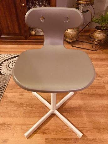 Krzesełko dzieciece do biurka