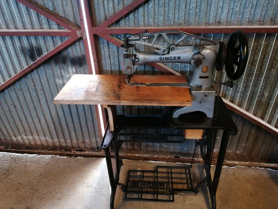 Máquina de custura sapateiro singer 29k71 Santa Bárbara - imagem 1