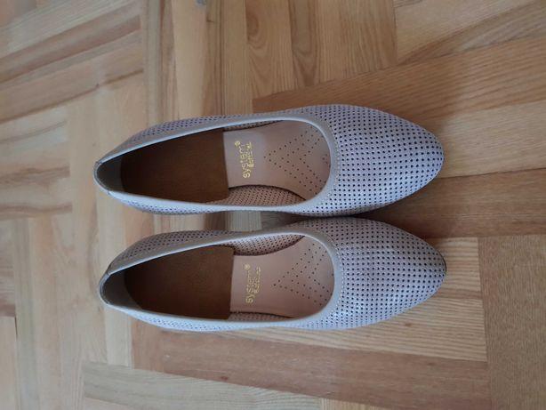 Buty damskie na słupku