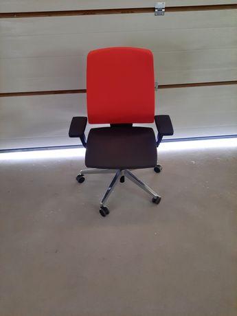 Fotel obrotowy XENON 111 SFL PROFIM.
