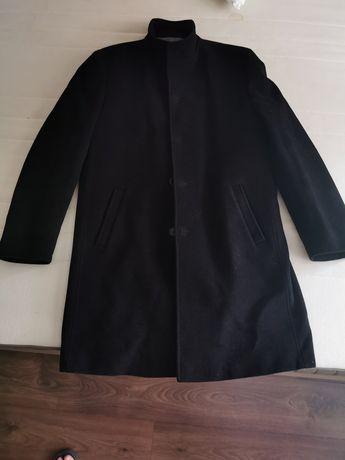 Czarny płaszcz Dino Salvani
