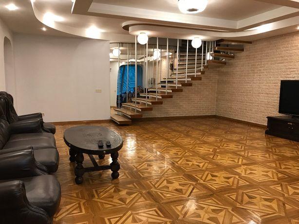 Продам 4-ком. двухуровневую квартиру ул. Лукьяновская 63