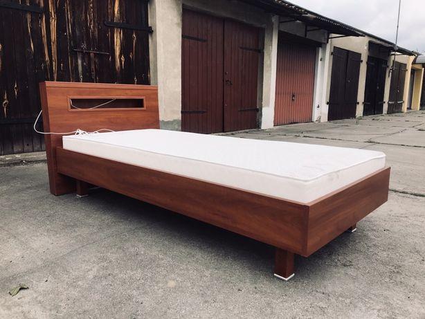 Łóżko jednoosobowe z podświetlaną półką