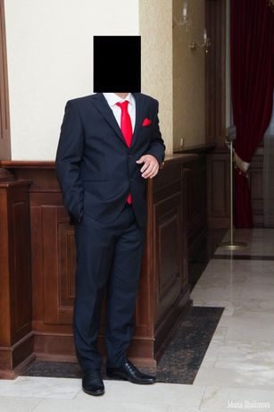 Продам мужской чёрный костюм Voronin