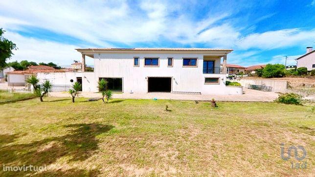 Moradia - 840 m² - T5