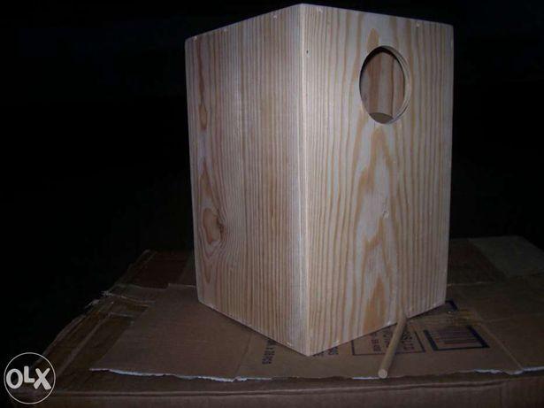 Ninho de Caturras em madeira pinho