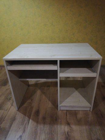 Solidne biurko z krzeslem
