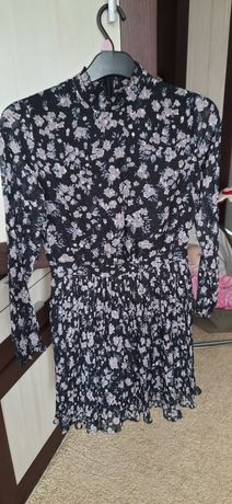 Sukienka w kwiaty Sinsay xs s