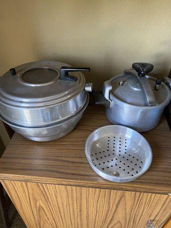 Panela de pressão e cloche de cozinha