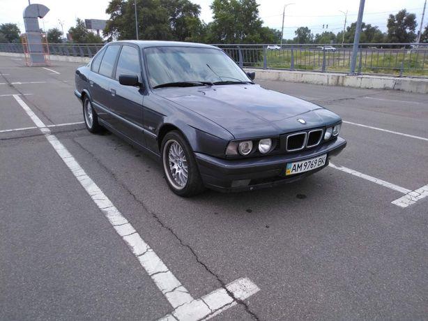 BMW пятёрка 520 -E 34