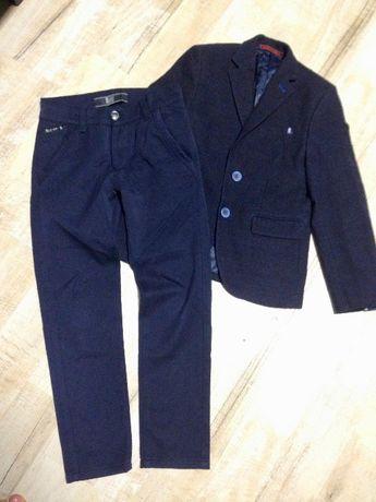 Школьная форма (пиджак и брюки) на 7-8 лет