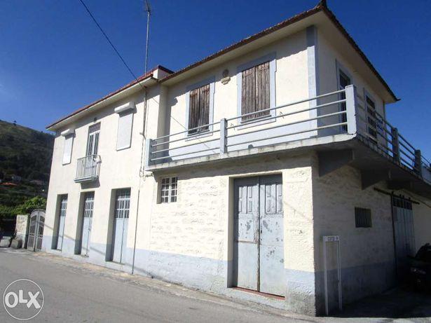Casa rústica, em aldeia do Douro