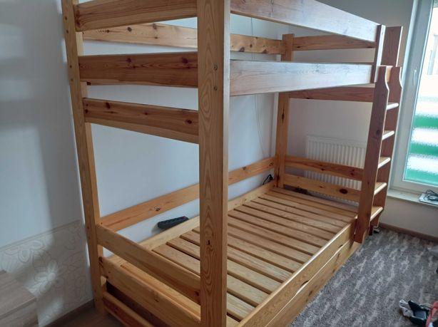 Łóżko piętrowe sosnowe z szufladą