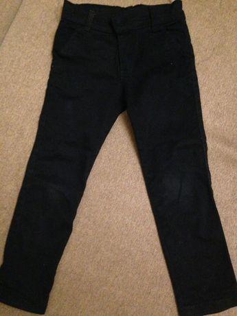 Брюки-джинсы чёрные на мальчика 6-7 лет