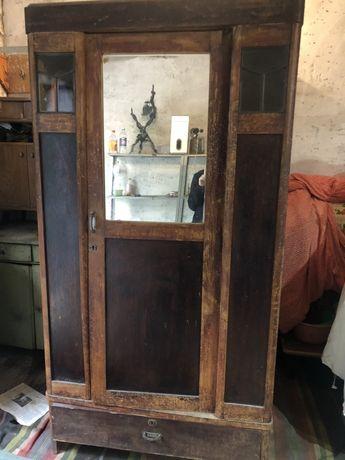 Старый шкаф раритет