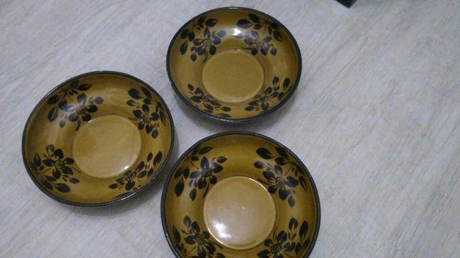 Тарелки 2 штуки из глины с росписью набор 50 грн