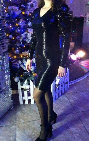 Платье в пайетках в стиле диско