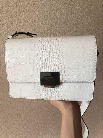 Продам новую кожаную сумку