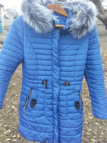 Зимняя куртка . Цвет электрик