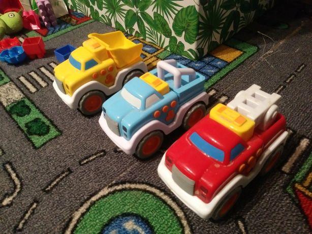 Trzy Samochodziki