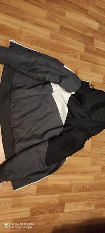 Продам куртку в хорошом состоянии