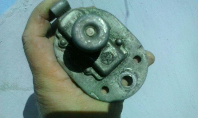 Автомобильный выключатель массы аккумулятора 12-24 вольт советский