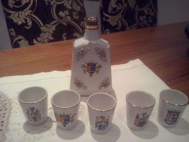 Louça de Alcobaça Garrafa de Whisky+ 5 copos com mais 50 anos