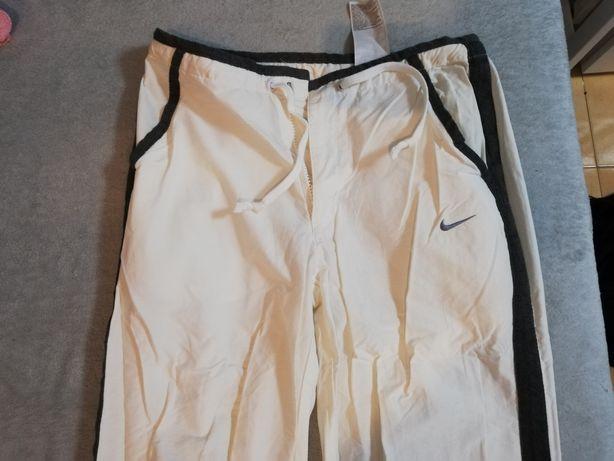 Nike długie spodnie.