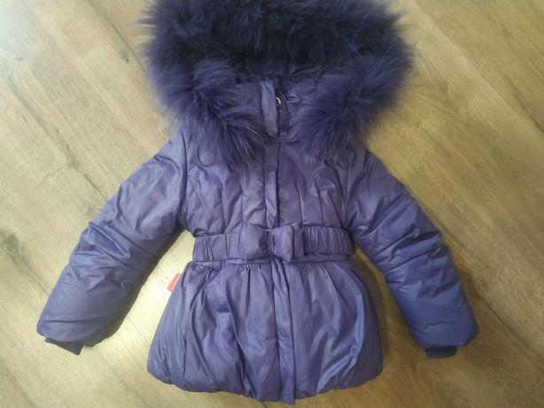 Зимняя очень красивая курточка на девочку
