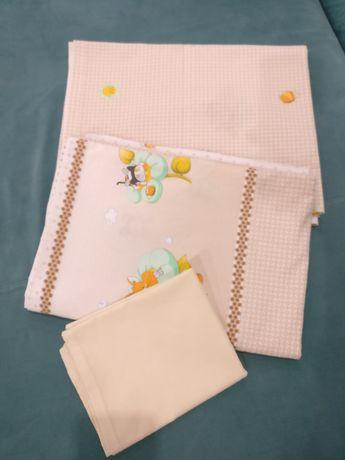 Постельное бельё в детскую кроватку Пчёлки