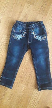Продам модные красивые джинсы на девочку 2-3 лет