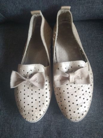Обувь на девочку туфли макасины чешки