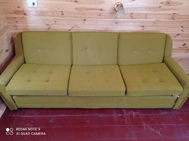 Раскладной югославский диван.