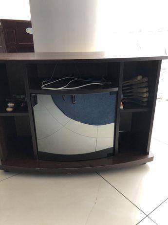 Тумба під телевізор, акваріум.