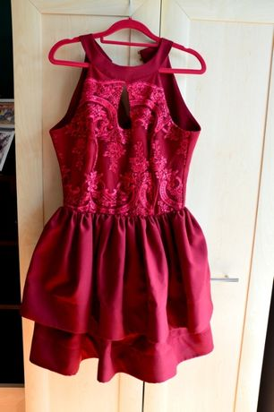 Bordowa sukienka M/L