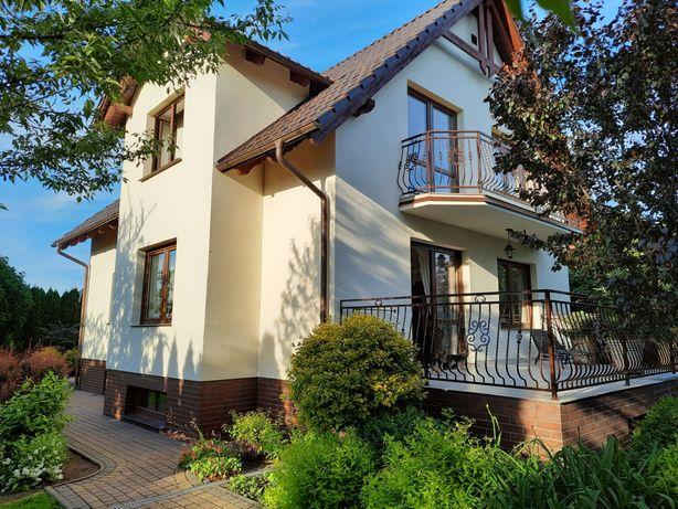 Dom jednorodzinny 242 m2