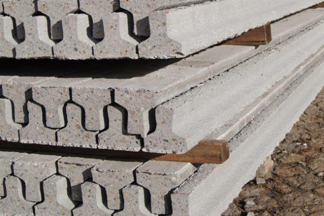 Vende-se VIGAS de cimento de 2 m