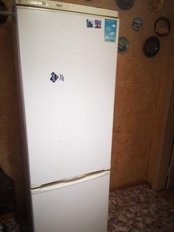 Холодильник б у робочий.