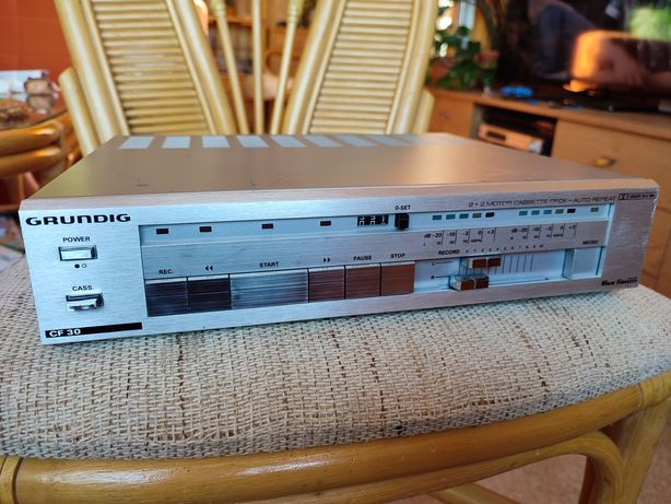Magnetofon Grundig CF 30 używany, niesprawny, do naprawy