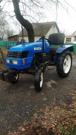 Продам трактор DF240