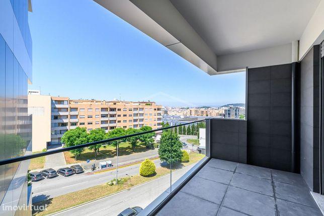 Apartamento T3 em Fraião, Garagem para 2 Carros e Ar Condicionado