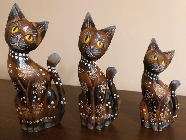 Figurki drewniane koty