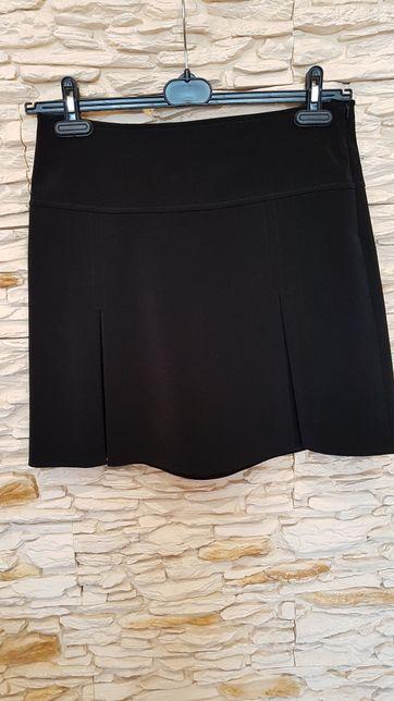 Czarna elegancka spódnica r.42