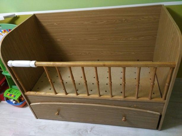Детская кроватка-манеж с защитой, матрасом и балдахином